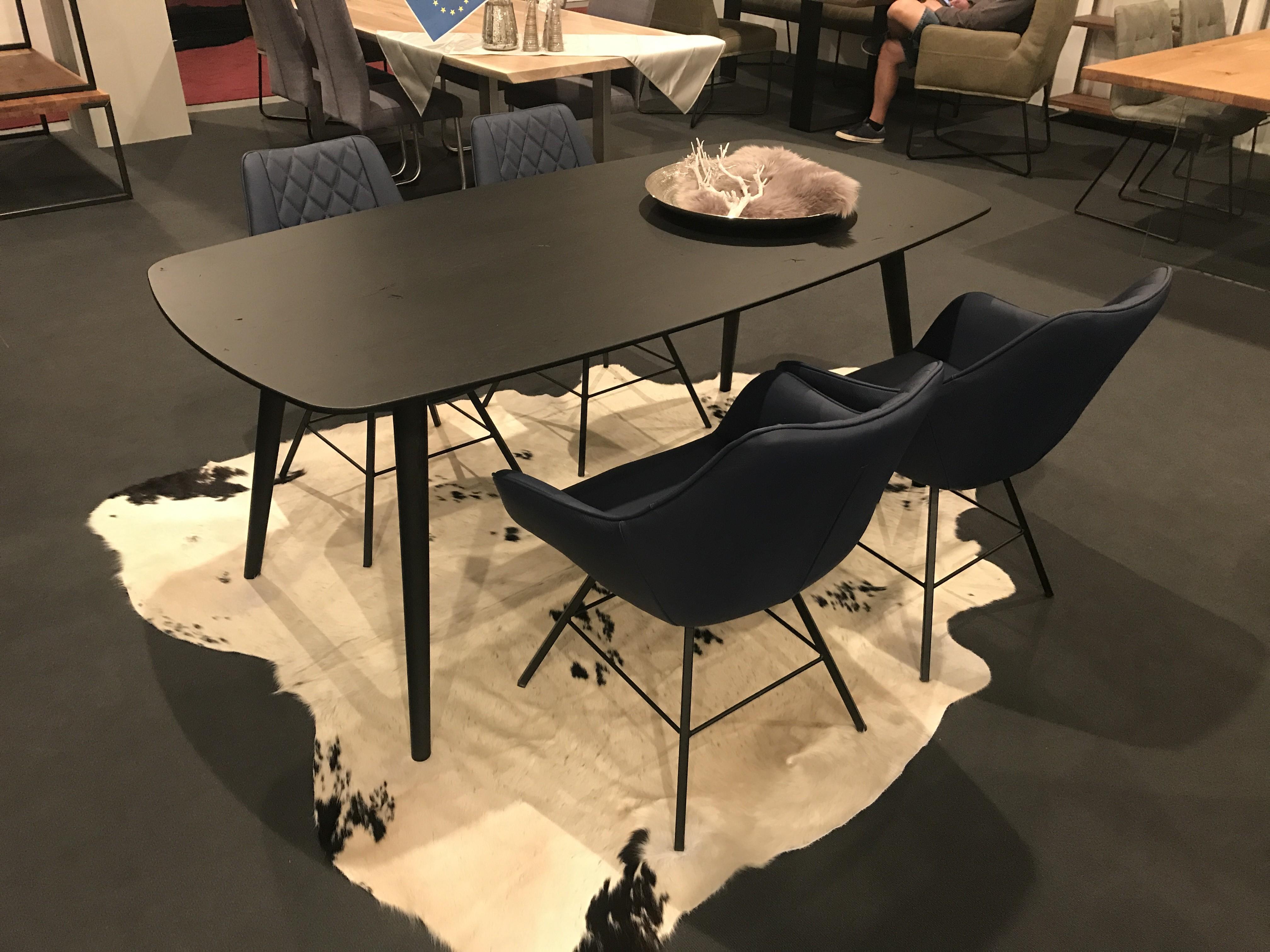 Palma Oak Dining Table
