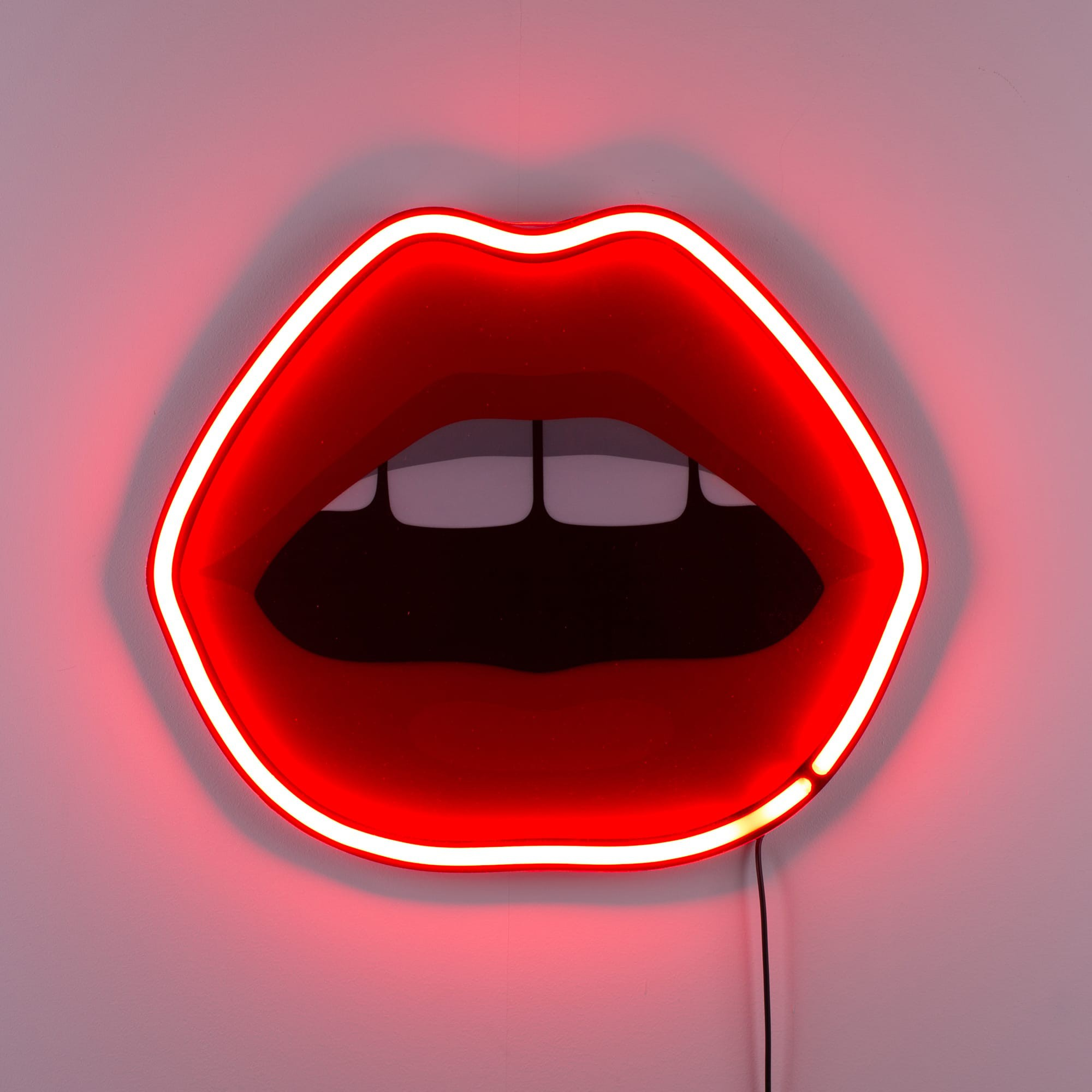Neon Lamp Mouth